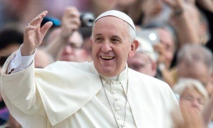 """Catequese: """"A Igreja é a família de Jesus, é aonde ele deposita o seu amor"""""""